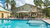 Sunshine Suites Resort - Seven Mile Beach Hotels