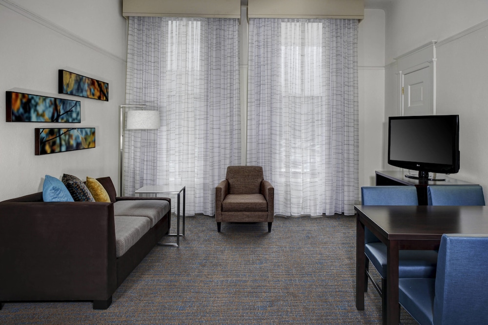Living Area, Residence Inn By Marriott Cleveland Downtown