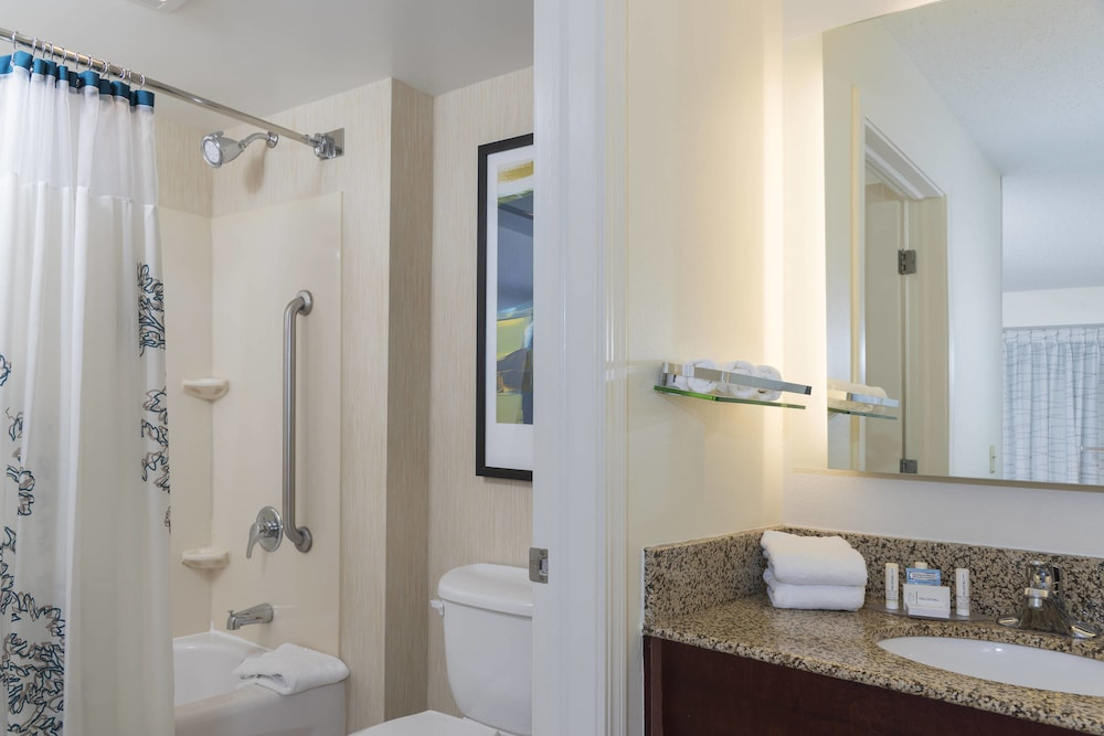 Bathroom, Residence Inn By Marriott Grand Rapids West