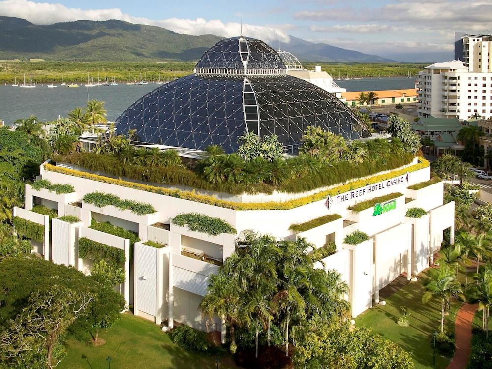Das pullman reef hotel casino