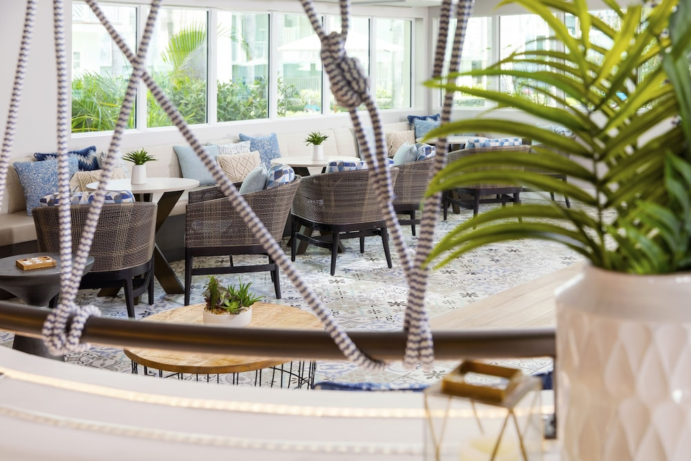 Lounge, The Reach Key West, Curio Collection by Hilton