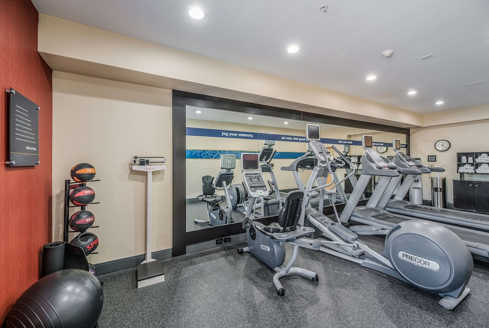 Fitness Facility, Hampton Inn Oakland-Hayward