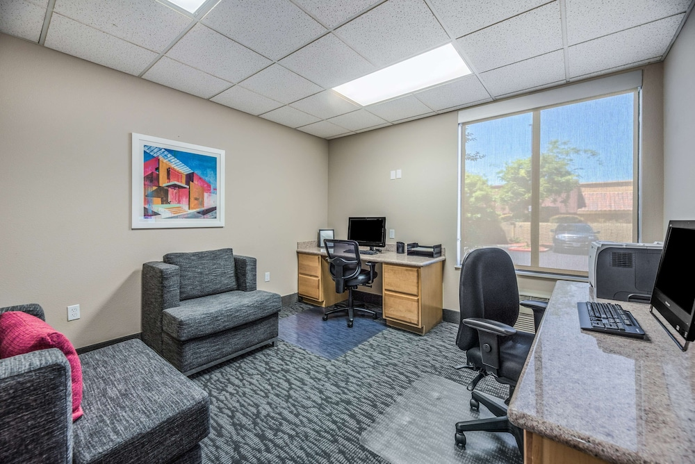 Business Center, Hampton Inn Oakland-Hayward