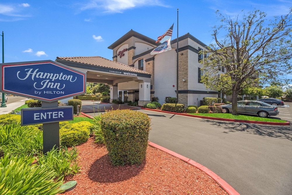 Featured Image, Hampton Inn Oakland-Hayward