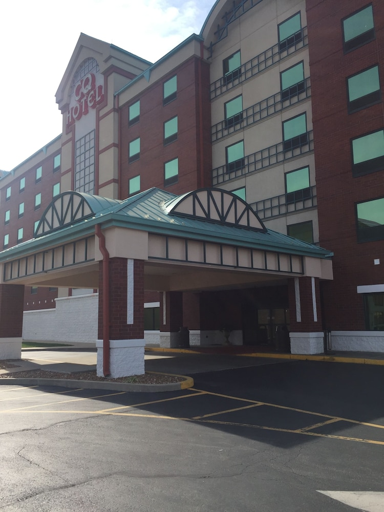 casino queen hotel st louis reviews