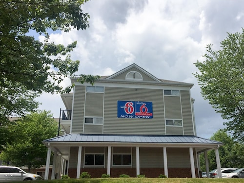 Motel 6 Greensboro NC - I-40