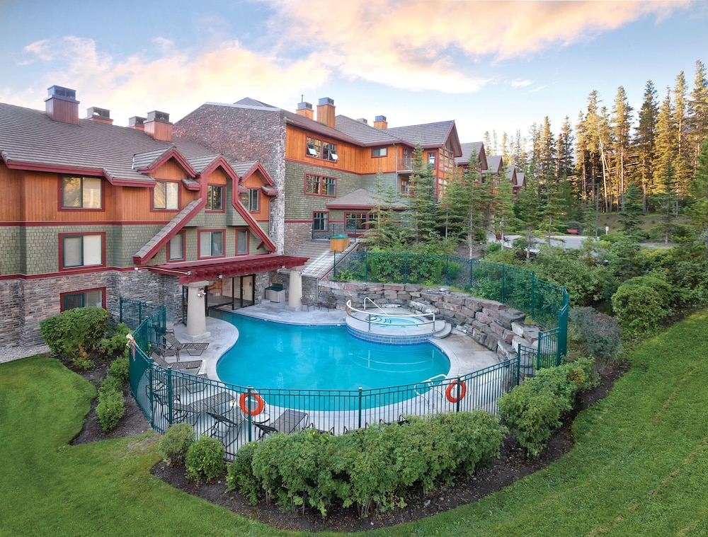 Pool, WorldMark Canmore-Banff