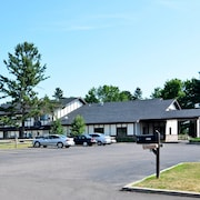 Amerivu Inn And Suites Hayward Wi