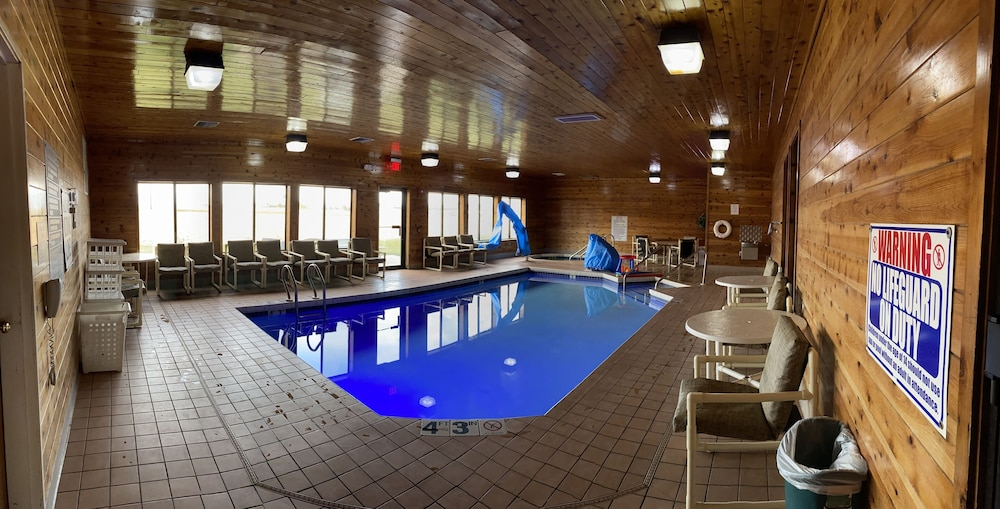 Indoor Pool, Super 8 by Wyndham Mauston