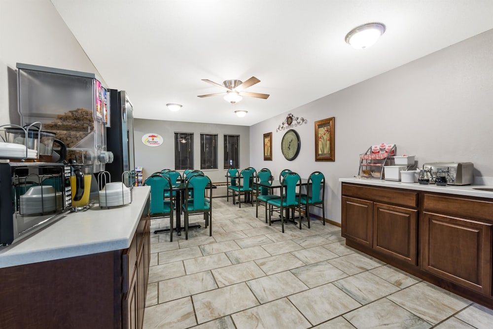 Courtyard Kansas City at Briarcliff  UPDATED 2018 Prices