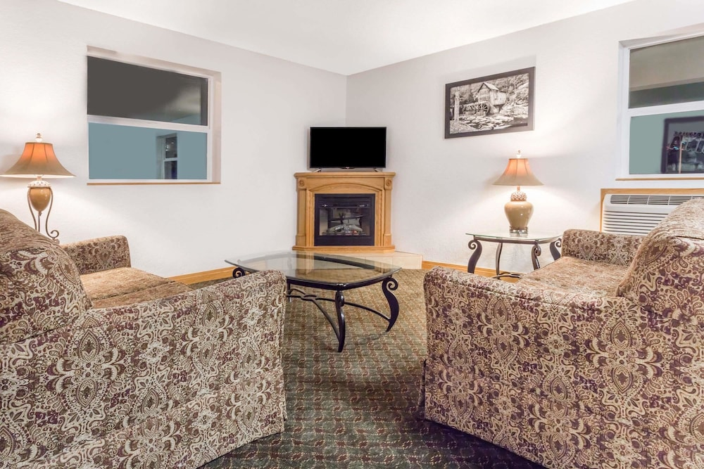 Super 8 By Wyndham Summersville 2019 Room Prices 59 Deals