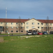 Baymont Inn & Suites Holland