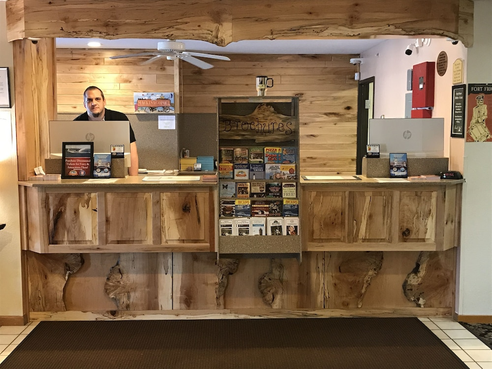 Check-in/Check-out Kiosk, Super 8 by Wyndham Bridgeview of Mackinaw City
