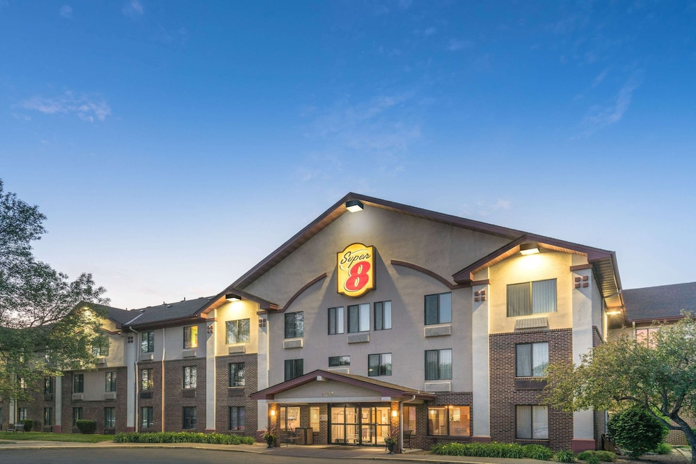 Exterior, Super 8 by Wyndham Bloomington/Airport