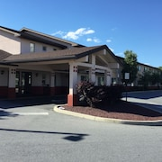 Super 8 by Wyndham Middletown