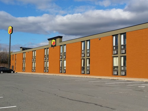 Super 8 by Wyndham Plattsburgh