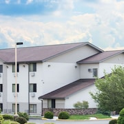 Super 8 by Wyndham Altoona