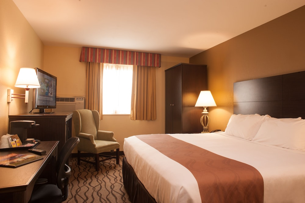 Room, City Center Inn Newport News-Hampton