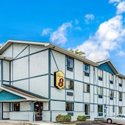 Super 8 by Wyndham Suffolk Tidewater