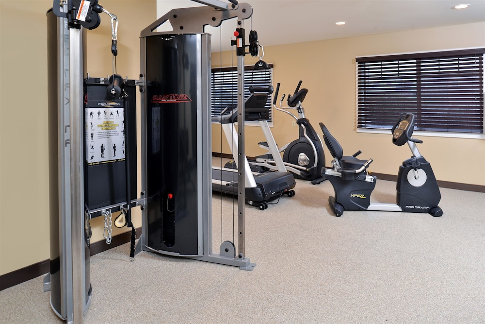 Fitness Facility, Best Western Long Beach Inn