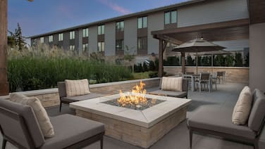 Country Inn & Suites by Radisson, Seattle-Tacoma International Airport, WA