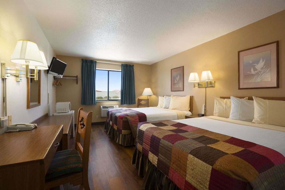 Room, Super 8 by Wyndham Las Vegas