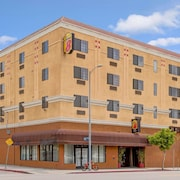 Super 8 by Wyndham Hollywood/LA Area