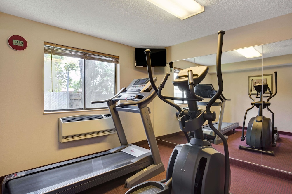 Fitness Facility, Days Inn by Wyndham Clearfield
