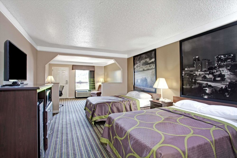 Room, Super 8 by Wyndham Knoxville East