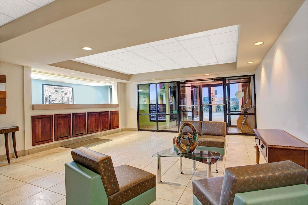 Lobby, Super 8 by Wyndham Knoxville East
