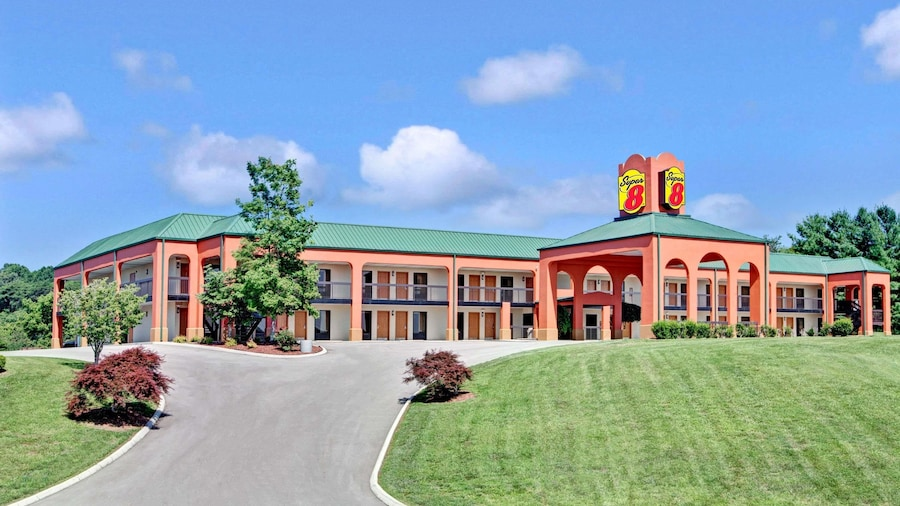 Super 8 by Wyndham Knoxville East
