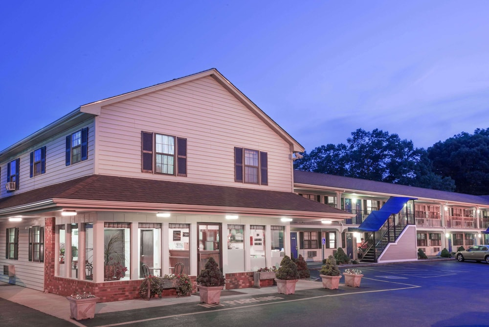 Featured Image, Knights Inn North Attleboro