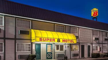 Super 8 by Wyndham Wooster