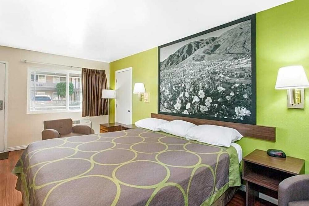 Room, Super 8 by Wyndham Los Angeles/Alhambra