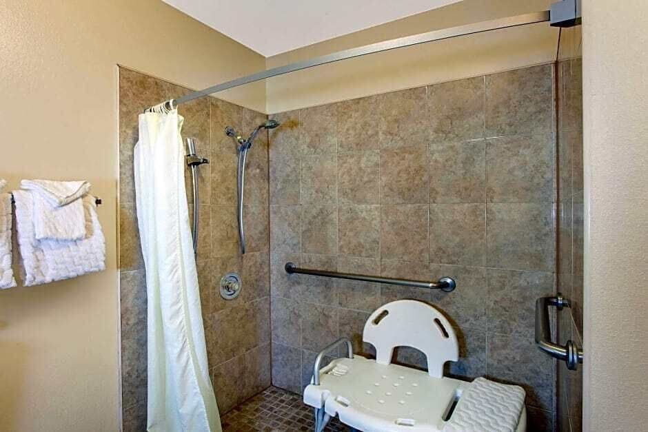 Bathroom, Super 8 by Wyndham Los Angeles/Alhambra