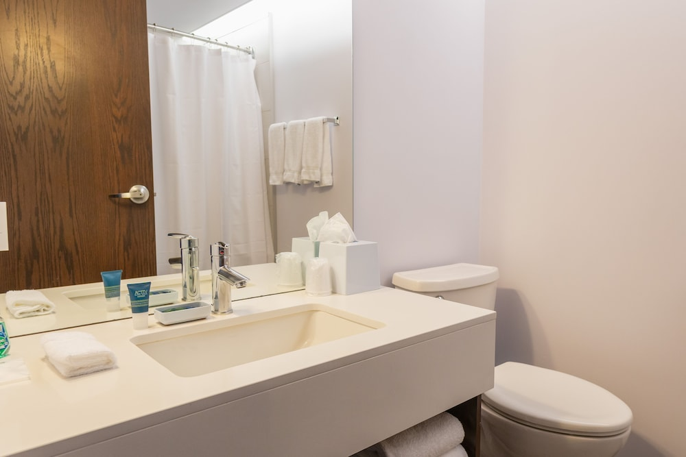 Bathroom, Lakeview Signature, Trademark Collection by Wyndham