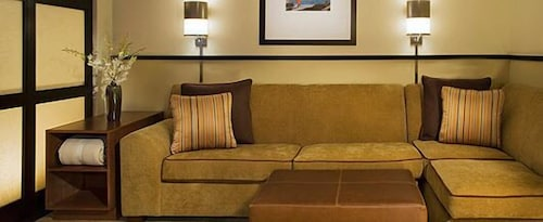 Living Area, Hyatt Place Fair Lawn Paramus
