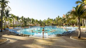 11 piscinas externas