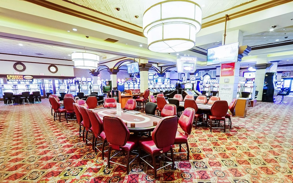 external environment of casino hotel Critical success factors are the areas in which a business must excel to survive in the marketplace the critical success factors in the hotel industry have been changing over time, driven by global competition and increasingly high customer expectations.
