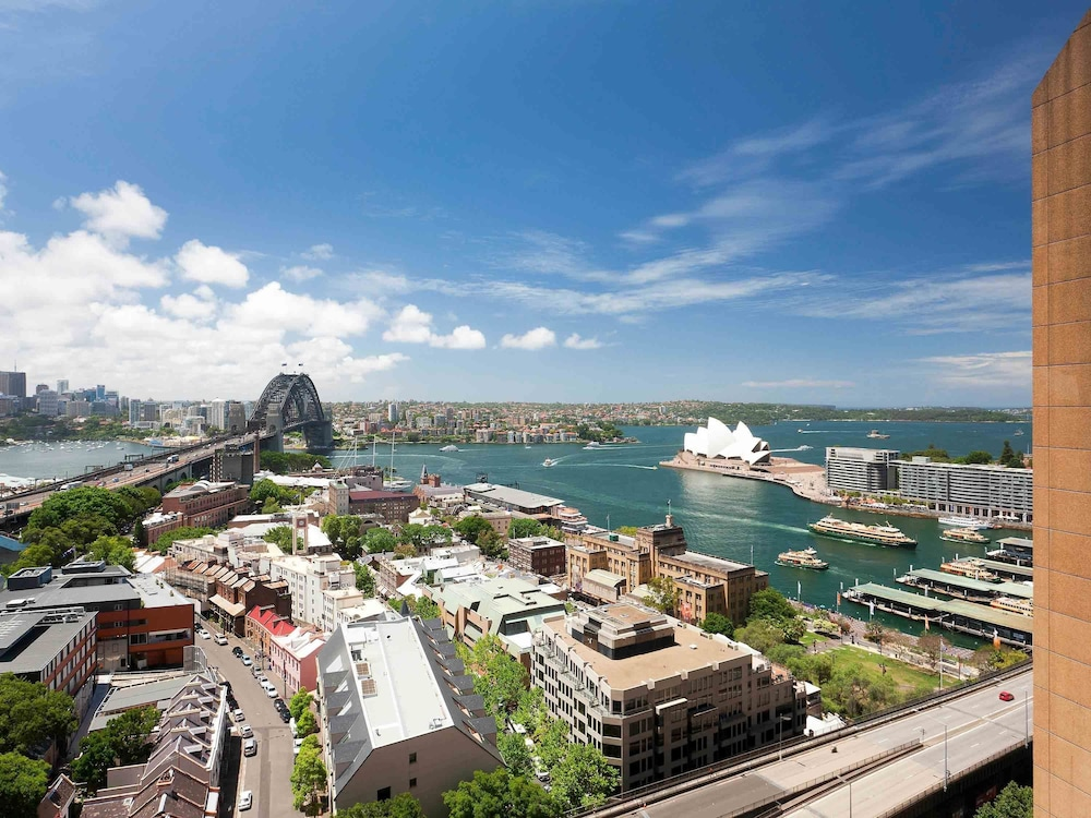 Quay West Suites Sydney Deals Reviews Sydney Aus Wotif
