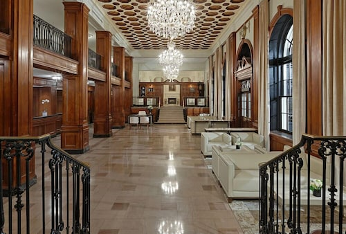 Cheap Hotels in Halifax - Find C$149 Hotel Deals | Travelocity