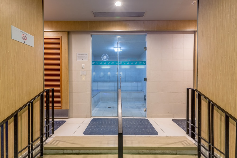 Steam Room , Banff Park Lodge