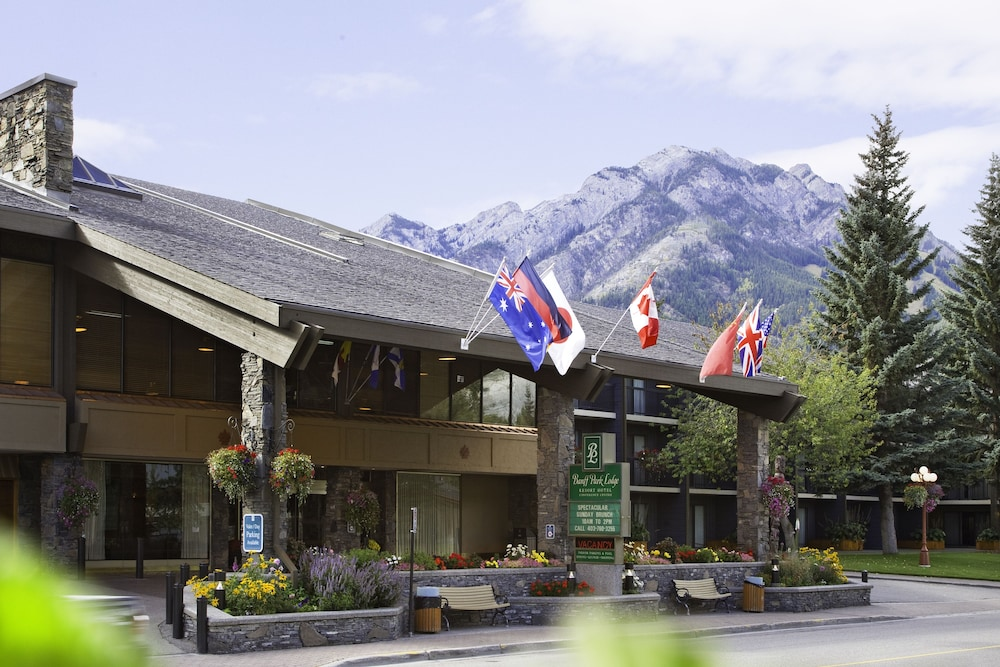 Featured Image, Banff Park Lodge