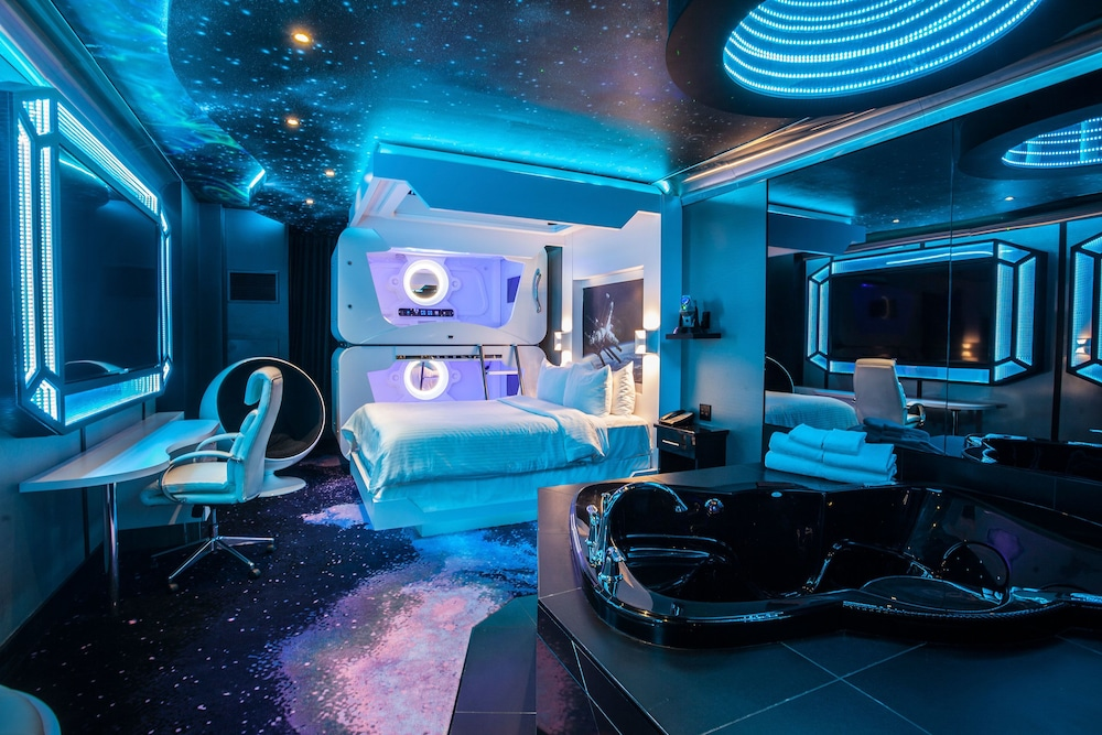 Space Themed Room Fantasyland Hotel