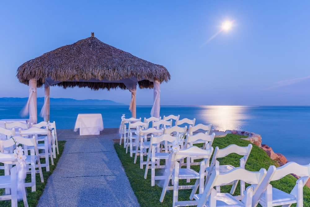 Outdoor Wedding Area, Friendly Vallarta All Inclusive Family Resort & Convention Center