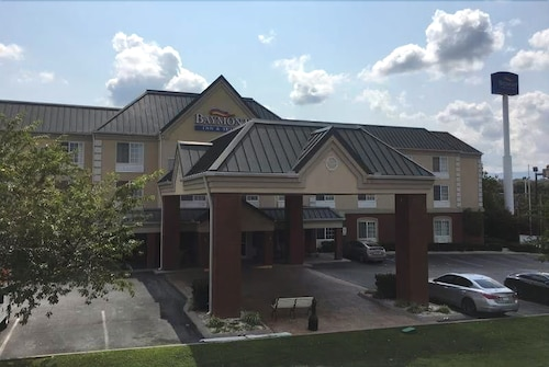 Great Place to stay Baymont by Wyndham Clinton near Clinton