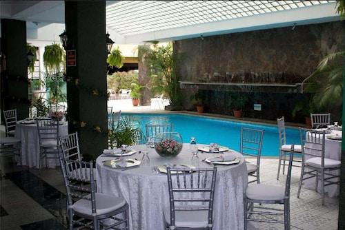 艾克塞西尔酒店