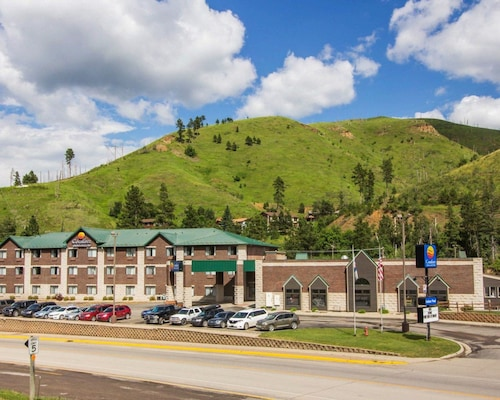 Great Place to stay Comfort Inn & Suites near Deadwood