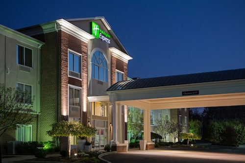Holiday Inn Express & Suites Youngstown N