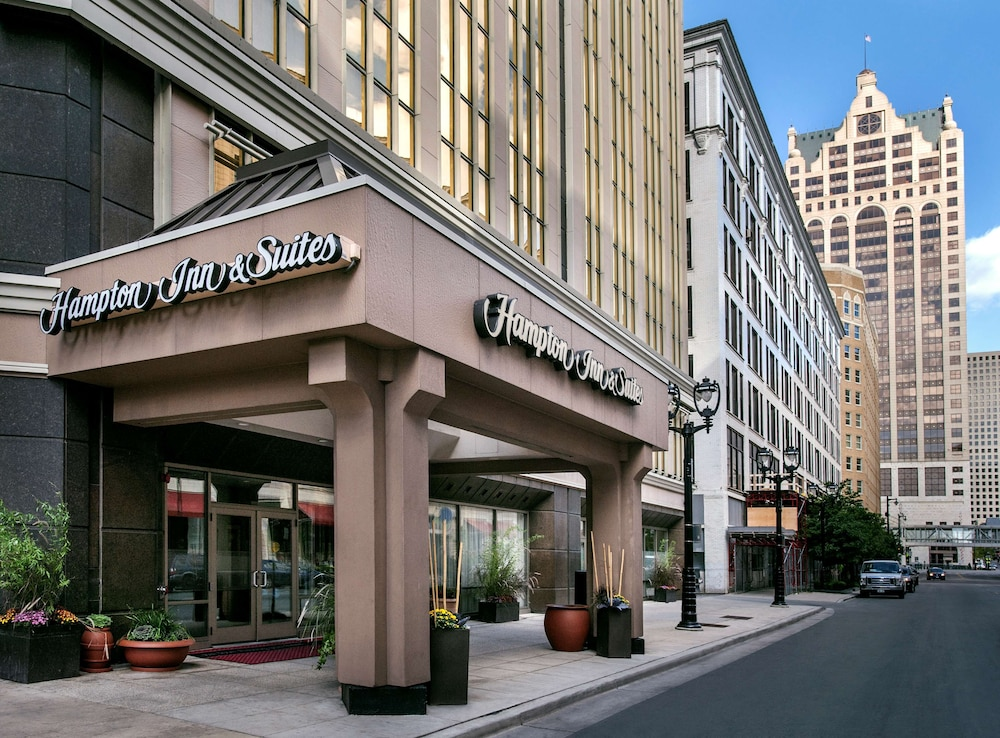 Featured Image, Hampton Inn & Suites Milwaukee Downtown